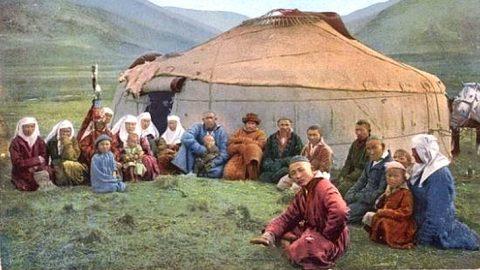 Казахи в составе республиканского Китая. Период губернатора Шэн Шицая