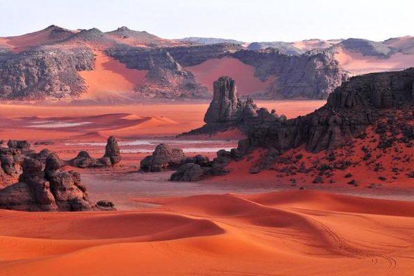 Красные пески Тадрарт-Руж