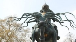 Статуя Чингисхана в Лондоне